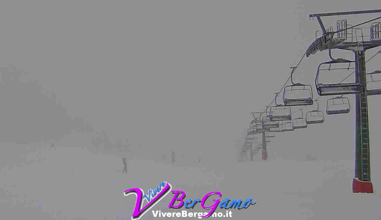 Webcam dal Montebello (2100 m) vista sulla pista del Valgussera